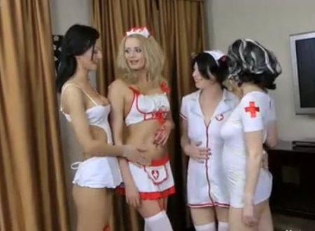 Жопы наизнанку - групповой анальный фистинг извращенок-медсестёр