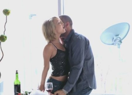 Пара превратила романтическое свидание в крутой сексуальный трах