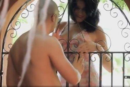 Через ворота соблазнил желаемую девушку и с удовольствием выебал