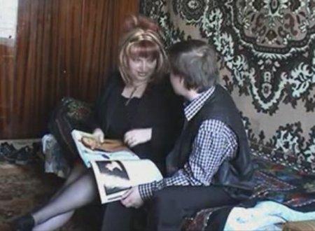 Сочная тётя дала племяннику потрогать и пощупать пышное тело