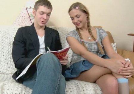 Чпок-урок 18 летней анальной девушки с другом-репетитором