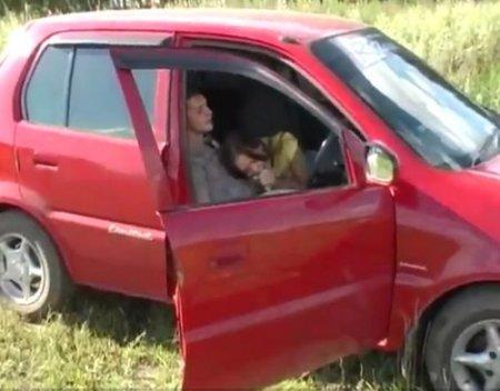 Русский минет в машине с сексом 18-летних на заброшенной стройке