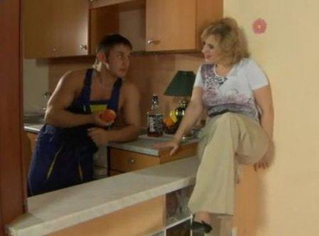 Работа муж на час у милфы домохозяйки для парня имеет свои плюсы