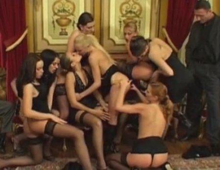 VIP персоны Франции собрались для траха на гламурной оргии свингеров