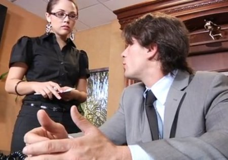 Вызвал чтобы уволить секретаршу с работы но после траха передумал