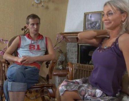 Русская тетя получила на массаже секс на который сама напросилась