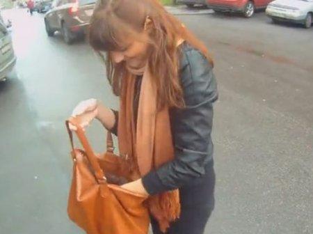 Пикап девушки на улице привёл к минету и быстрому сексу в подъезде