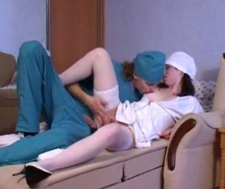 Медсестра подсунула пациенту слабительное и дала фельдшеру по-быстрому
