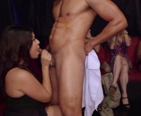 Порно девичник в ночном клубе незамужних девушек со стриптизером