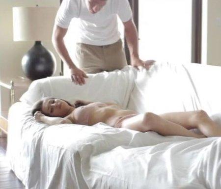 Муж разбудил куни и красиво трахнул спящую неудовлетворенную жену