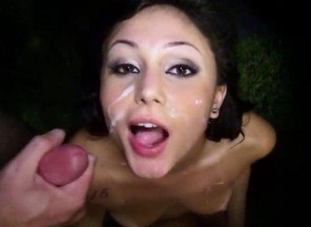Ночную прогулку телки с двумя крутыми чуваками закончил мжм секс