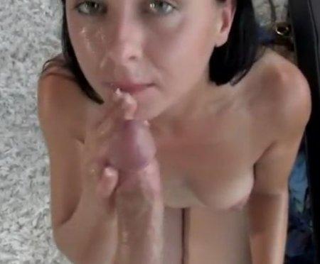 Милфа кончила первой на кастинге и сделала губокий минет после секса