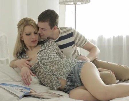 Российская девушка дала похотливому чуваку резво оттарабанить в очко